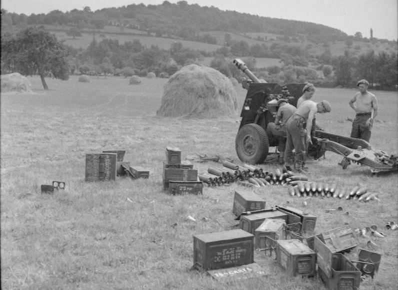 Image result for British army 25 pounder artillery gun