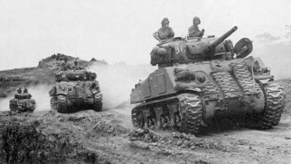 M4A3ShermanPicThree